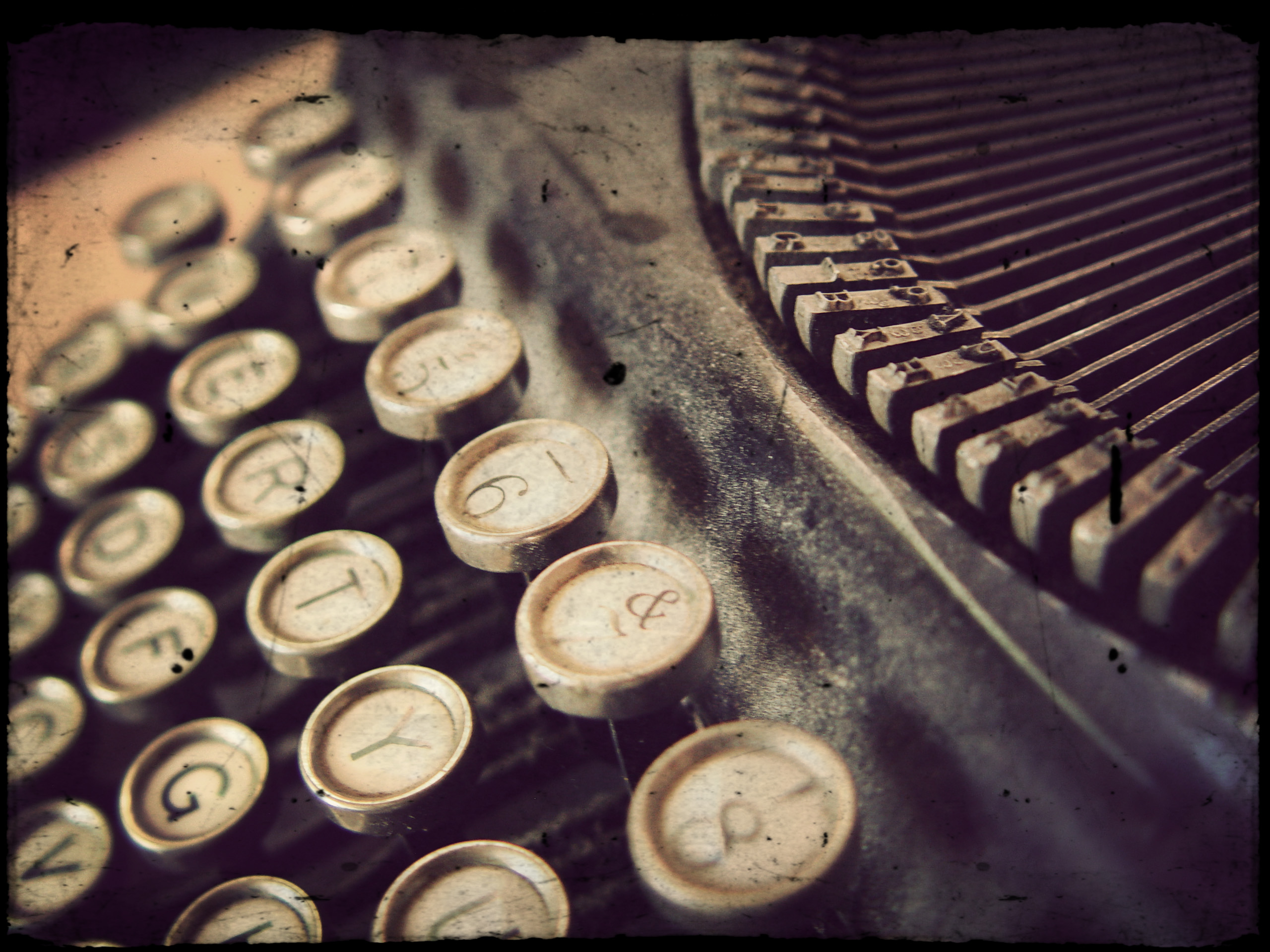 The Unconventional Guide to Content Writing vs. Copywriting